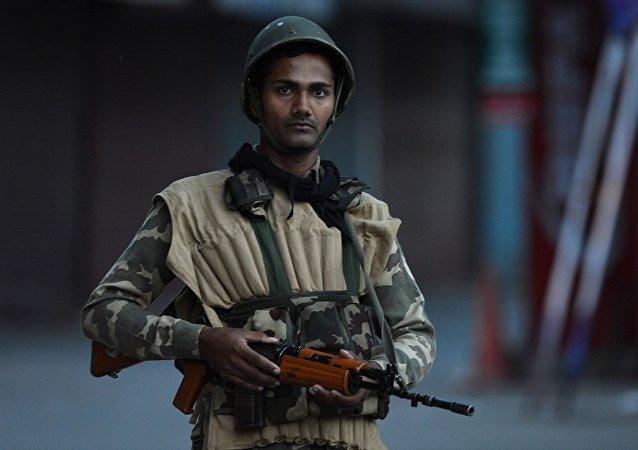 印度查謨和克什米爾邦警察遭武裝分子襲擊 6人受傷