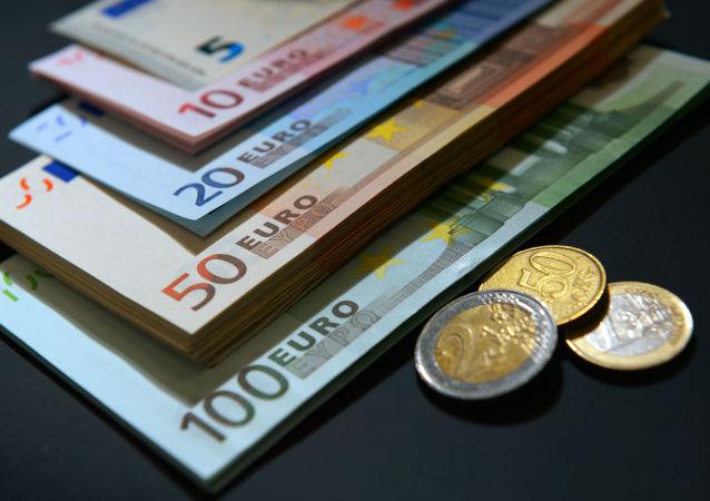 欧盟委员会:保加利亚为在一年内过渡到欧元或加入汇率机制