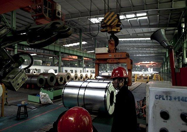 """中国建议美国改变关于提高钢材税的""""不公正""""决议"""