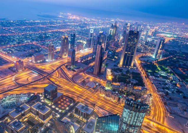 迪拜首名机器人警察将于2017年上岗
