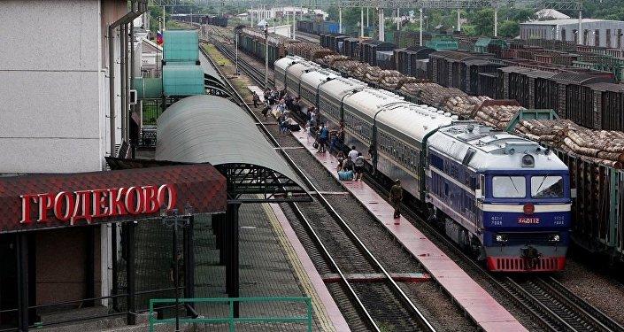 俄中跨境內貿外運航線航線今日開通