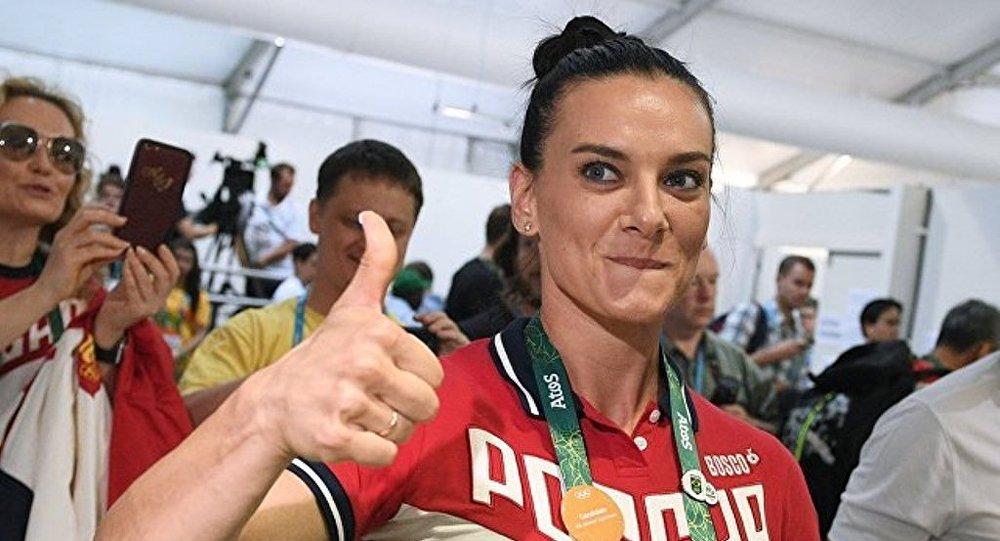 兩屆奧運冠軍伊辛巴耶娃誕下麟兒