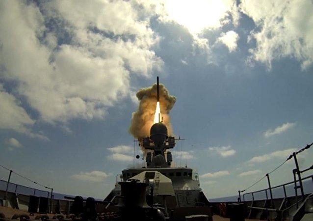 """媒体:印度欲向俄购买射程缩短版""""口径""""导弹"""