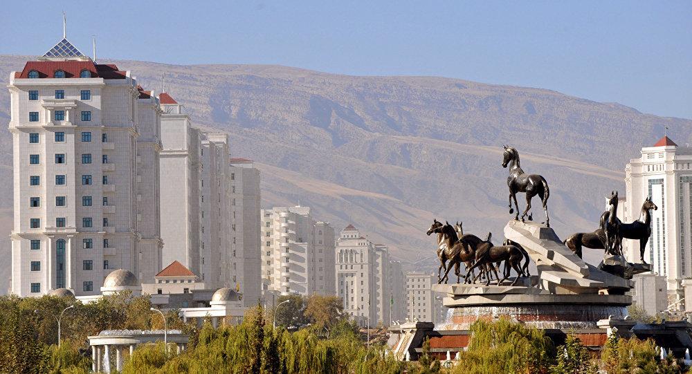 土库曼斯坦首都被白尘笼罩