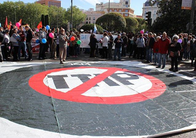專家:歐盟在TTIP問題上令美國陷入保護主義並「望向」中國