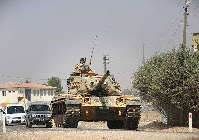 土耳其坦克与装甲车