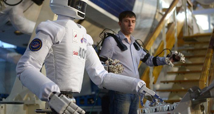有必要继续在太空使用机器人