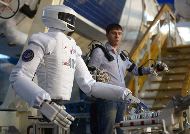 """""""俄联邦航天局""""宣布开展为宇航员建立""""机器人助手""""的竞赛"""