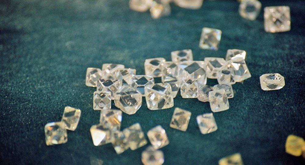 媒体:研磨行业改革或简化俄境内钻石交易