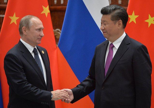 俄总统新闻秘书:关于中国疏远俄罗斯的说法不属实