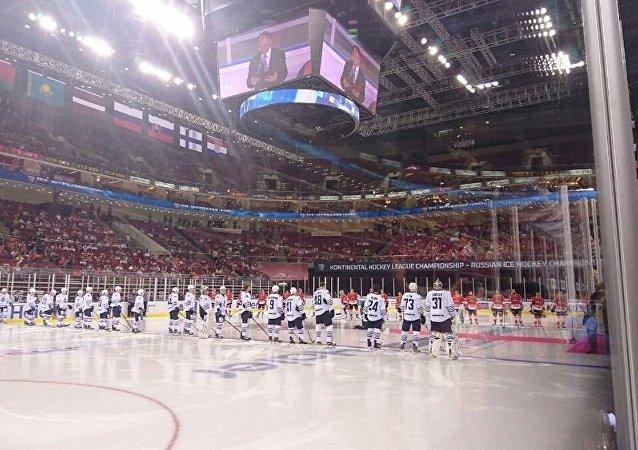 昆仑鸿星与巴里斯在北京的比赛创下大陆冰球联赛上座纪录