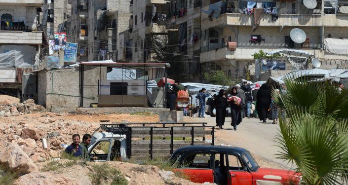 阿勒颇上一昼夜有1万多人撤出