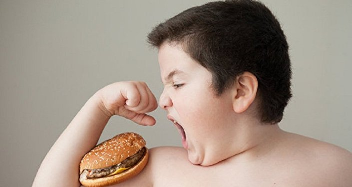 專家已查明,少年為何突然發胖