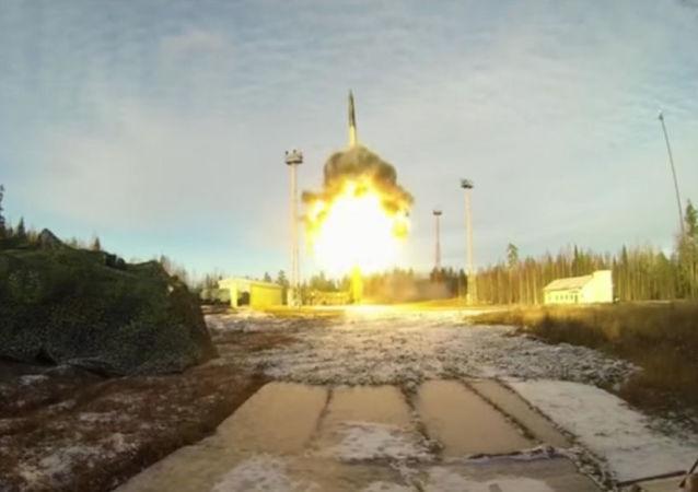 俄罗斯2017年将试射新型洲际弹道导弹