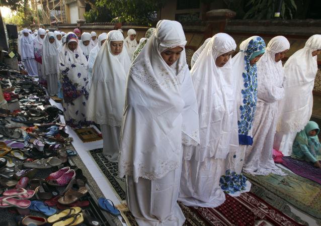 印尼穆斯林因多妻婚戀APP應用程序出現而盛怒