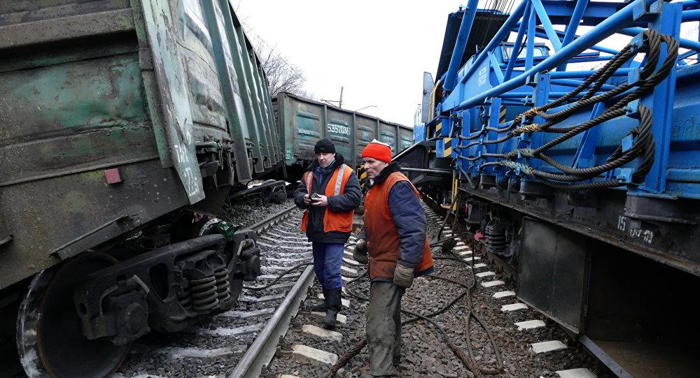 「頓涅茨克人民共和國」:未成年人破壞者參與了對火車的破壞