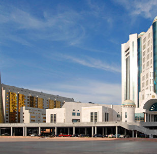 哈萨克斯坦议会批准与俄就两条石油管道协议
