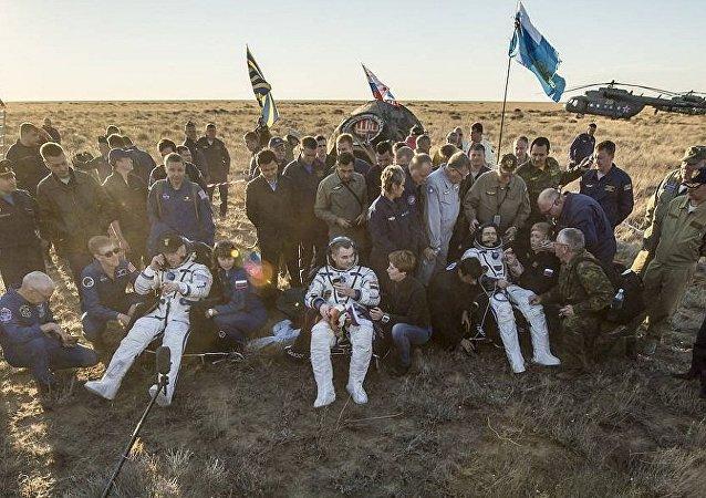 俄羅斯宇航員升空前均遵守加加林留下的傳統