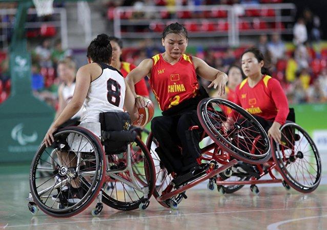殘奧會:加拿大和中國籃球運動員的比賽時刻