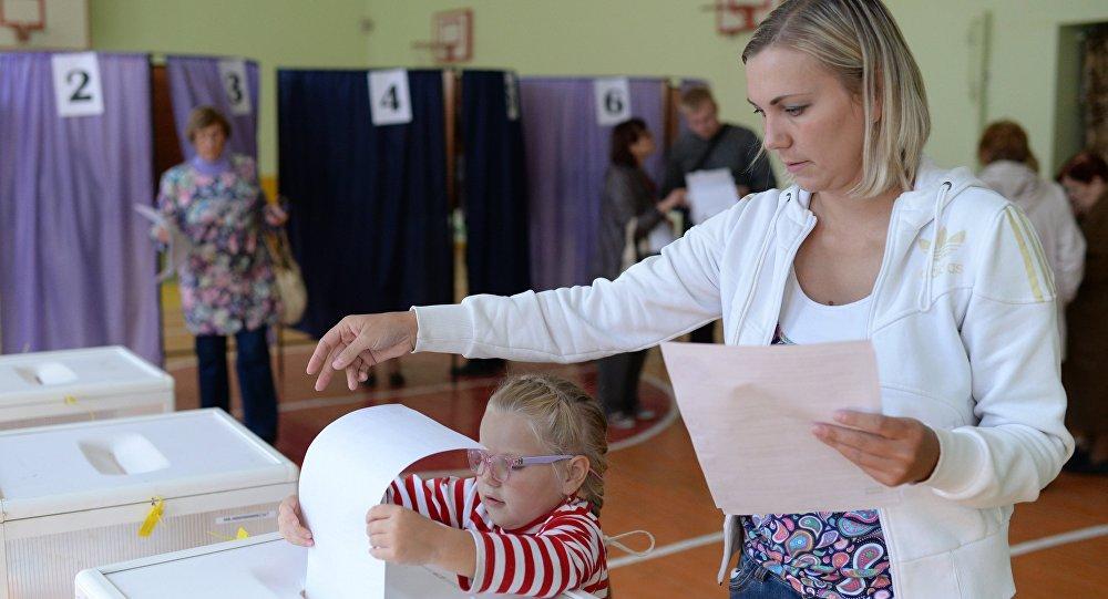 俄選委:克里米亞投票點開放 氣氛平靜