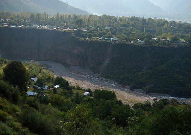 印度情报部门称巴控克什米尔地区出现16个武装分子训练营