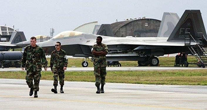 美軍一架飛機在日本沖繩附近墜海