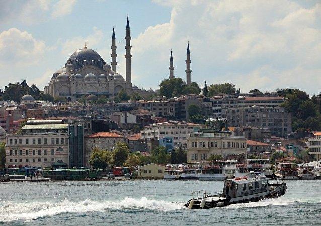 執法人員在伊斯坦布爾開展突擊行動抓捕80多名疑似「伊斯蘭國」成員