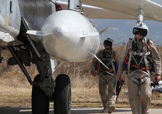 """俄飞行员在叙总能""""咬尾""""以美国为首的国际联军飞机"""