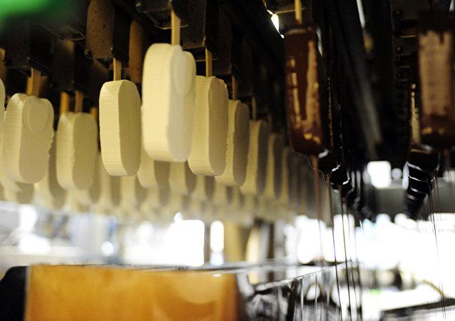 大连鑫森科技公司拟在俄罗斯建厂生产冰激凌棒