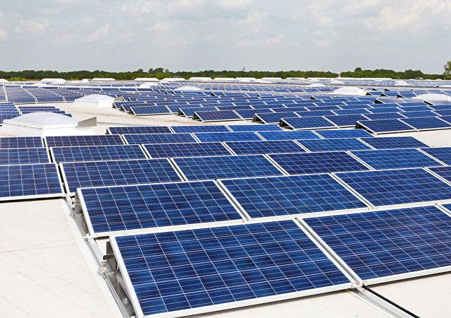 媒体:美国加州将率先要求新居安装太阳能板