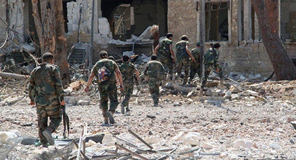 阿勒颇和被解除武装的武装分子开始撤离阿勒颇东部