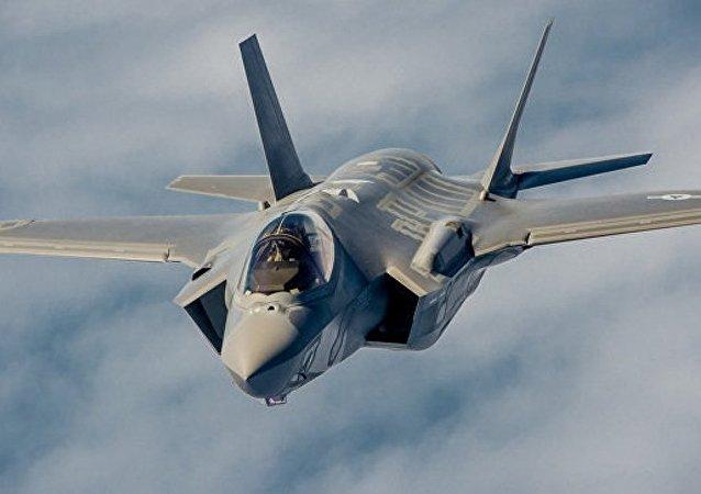 美国将从2017年起在日本长期部署16架F-35B飞机