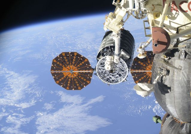 """美国""""天鹅座""""货运飞船脱离国际空间站"""