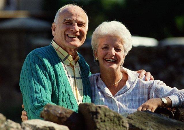幽默感能使女性延年益壽
