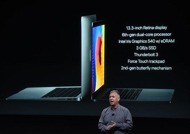 苹果公司推出新款MacBook加入触控条