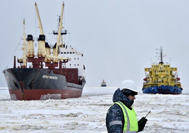 俄能源部:俄计划20年内大幅提升北极原油开采量