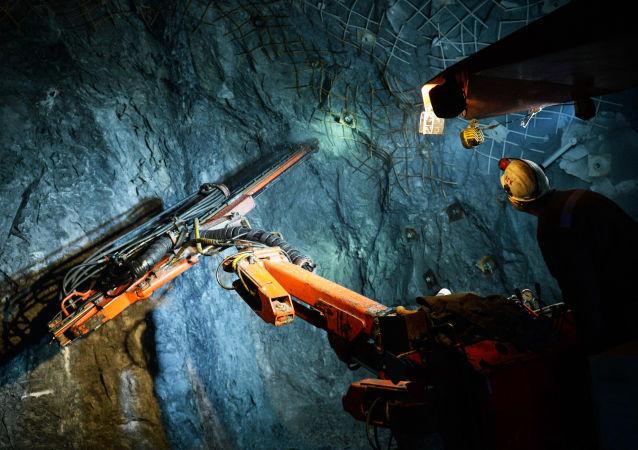 中国将继续推动矿业领域的投资便利化和贸易自由化