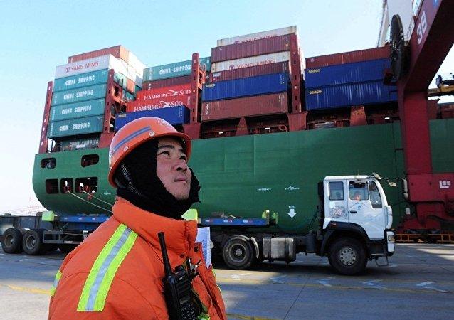 中國常州海關首次從俄進口34噸琥珀原石