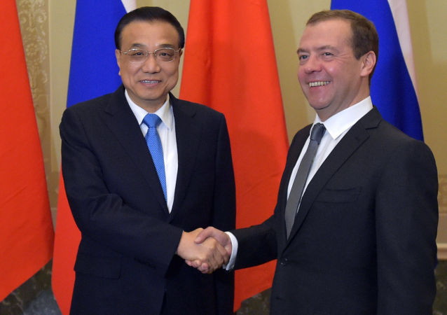 中国总理李克强等多国领导人祝贺梅德韦杰夫生日