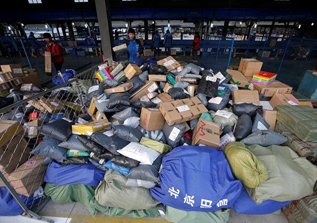 华媒:2016年中国邮政业务总量突破7000亿元人民币