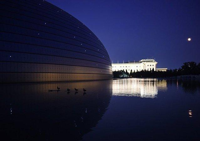 中国翻译家:俄罗斯话剧《长子》搬上中国舞台具有现实意义