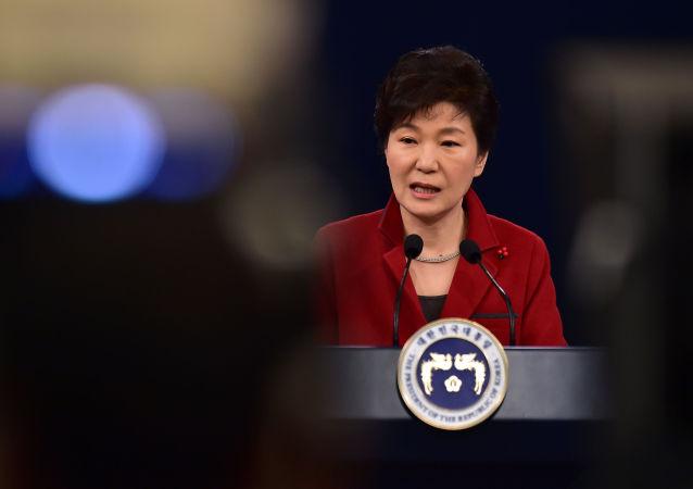 韩国反对党要求总统因腐败丑闻辞职