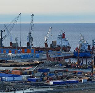 """中国对参与俄大陆架开发和 """"北极液化气2号项目""""感兴趣"""