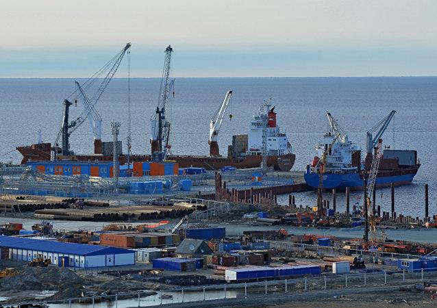 亞馬爾天然氣項目最後兩個LNG核心工藝模塊從青島裝船運往北極
