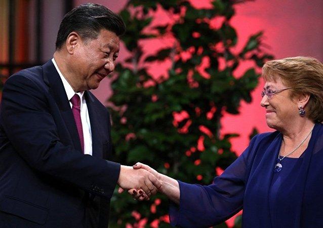 中國國家主席習近平和智利總統巴切萊特