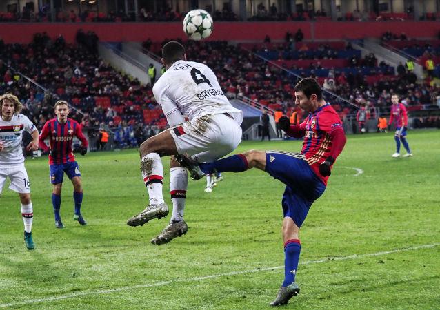 专家阐述了从事足球运动的危险性