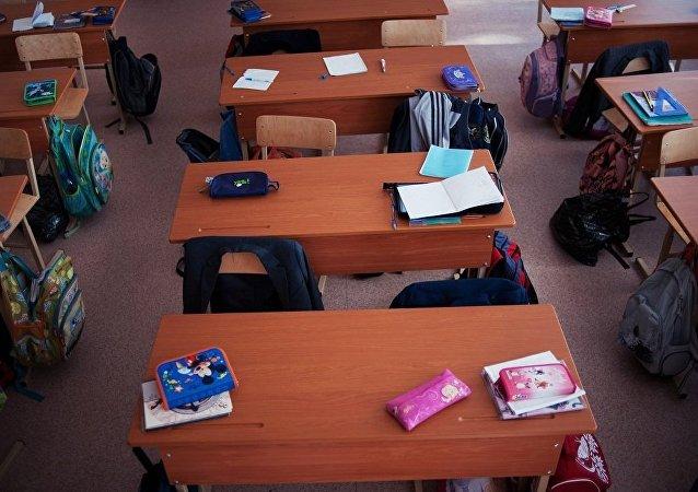 大約四分之一的俄羅斯中小學禁止學生在教室內使用手機