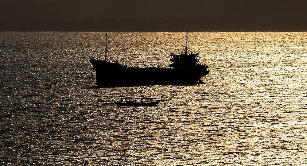 朝鮮一船隻試圖非法從俄運出價值近200萬盧布的酒精飲料