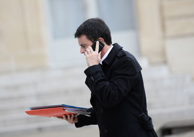 法國總理向法總統提交辭呈