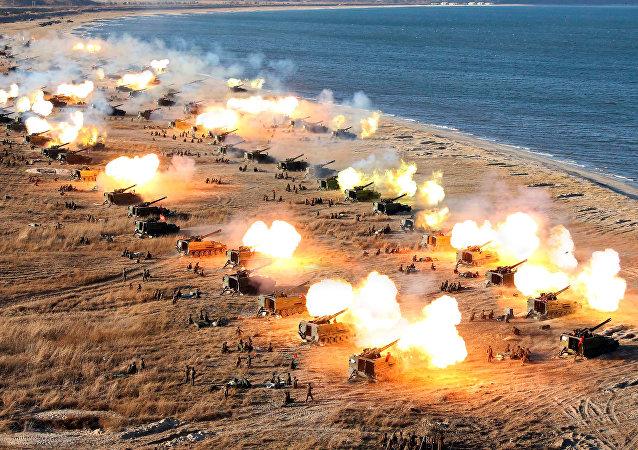 朝鮮軍事演習